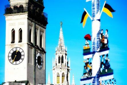 Alter Peter und neues Rathaus