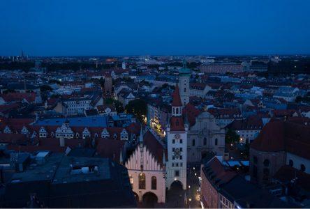 Hotel Schlicker im Zentrum bei Nacht