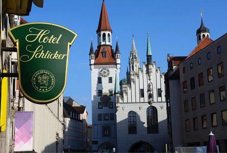 Eingang Hotel Schlicker